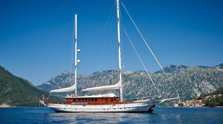 yacht-img1